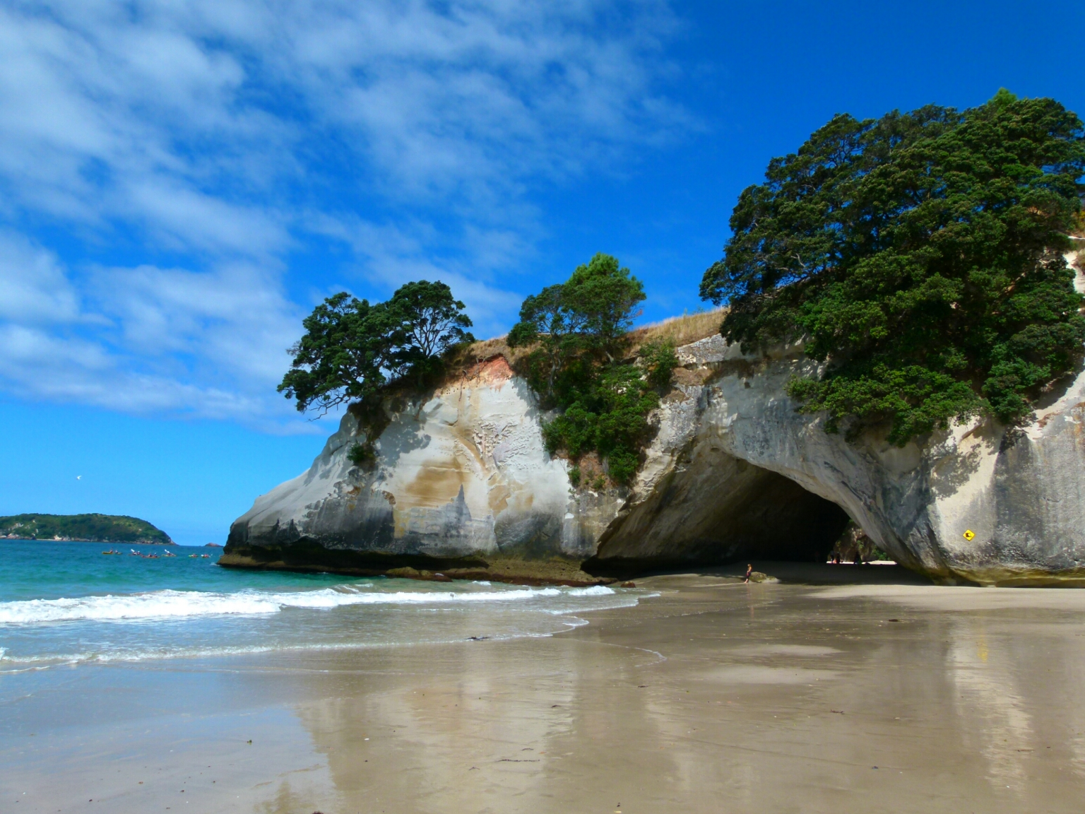 Blog 10 - 01 Cathedral Cove-885403172Cathedral Cove
